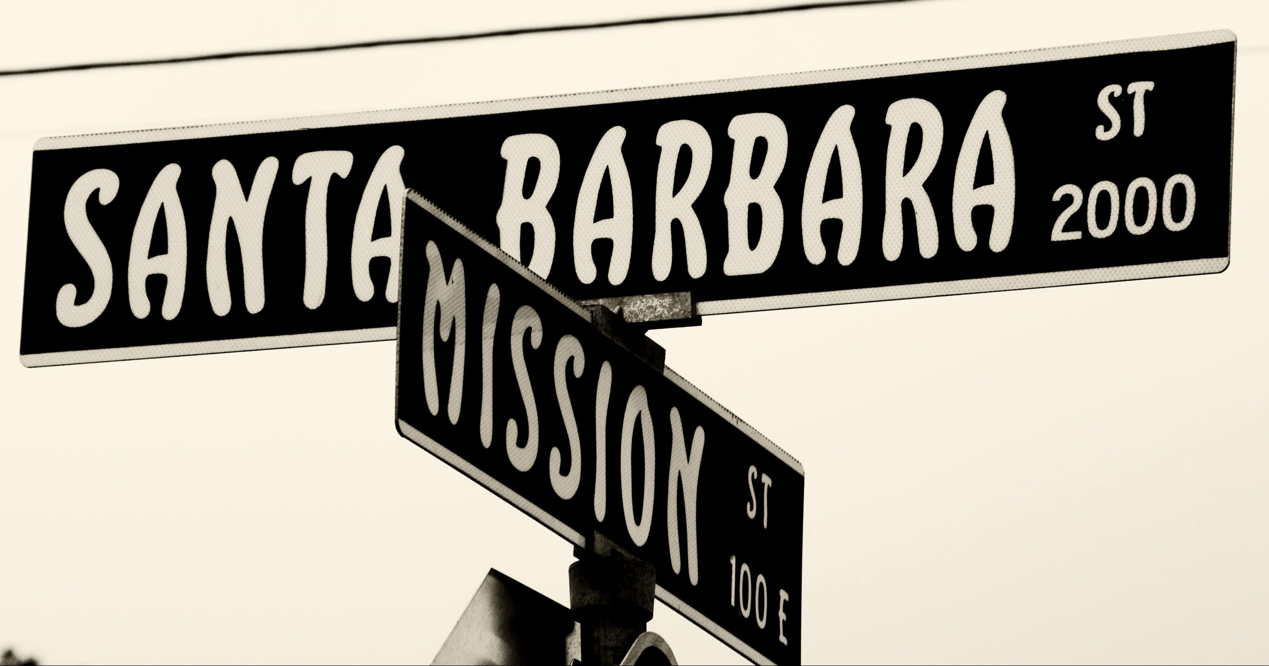 Mission and state street sign